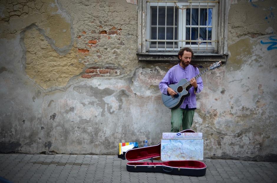 """Musiikki. Krakovassa kuulee miellyttävästi paljon jazzia. Spotify-soittolistoista """"Keskittymismusaa"""" oli eniten käytössä. Suosittelen."""